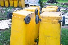 Большие мусорные баки стоковая фотография rf