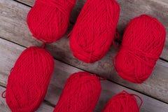 Большие пасма красной пряжи Стоковые Фотографии RF