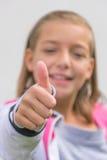 Большие пальцы руки вверх для вас ребенок с запачканной стороной Стоковая Фотография
