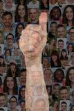 Большие пальцы руки успеха концепции поднимают знак с группой людей Стоковое Изображение RF