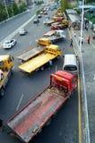 Большие тележки готовые для пересылки автомобилей, в автомобиле после выставки Стоковая Фотография RF