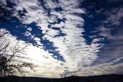 Большие тонкие облака altocumulus Стоковая Фотография RF