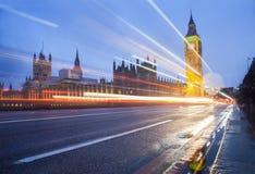 Большое Бен и автомобильное движение в Лондоне Стоковое фото RF