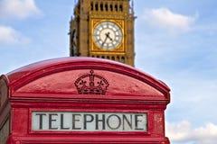 Большое Бен и красная телефонная будка Стоковые Фотографии RF