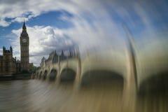 Большое Бен против облачного неба, Лондона, Великобритании Стоковое Фото