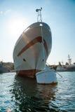 Большое зачаливание корабля в гавани Стоковое Изображение RF