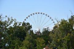 Большое колесо закоптелой горы на острове в Pigeon Forge, Теннесси Стоковая Фотография RF