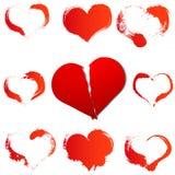 Большое красное разбитый сердце на белизне изолировало предпосылку и комплект сердец grunge Стоковые Изображения