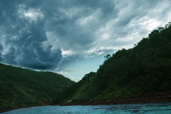 Большое облако nimbus стоковое изображение rf