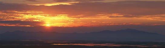 Большое озеро на заходе солнца, Солт-Лейк-Сити, Юта Стоковое Изображение