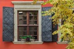 Большое окно с штарками металла Стоковые Фото