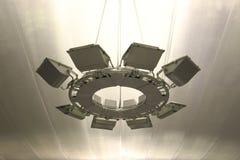Большое потолочное освещение на авиапорте Стоковые Изображения