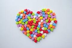 Большое сердце от маленьких светя красочных сердец на день ` s валентинки Стоковое фото RF
