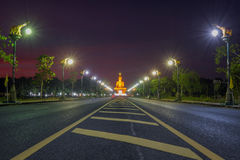 Большое сумерк Будды на Singburi Таиланде Стоковые Изображения