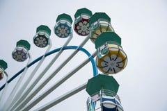 Большое Ferris катит внутри пасмурную погоду Стоковое фото RF