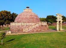 Большое stupa никакое 2 из sanchi Индии, буддийское всемирное наследие памятников стоковое изображение