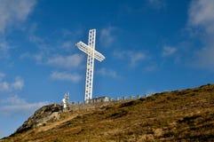 Большой белый стальной крест Стоковая Фотография RF