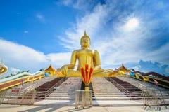 большой Будда золотистый Стоковое фото RF