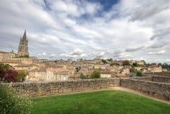 Большой взгляд на Святом Emilion. Франция Стоковые Изображения RF