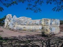 Большой возлежа Будда на виске Wat Lokaya Sutha в Autthaya Стоковое Изображение
