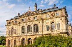 Большой дворец Дрезден сада стоковые фотографии rf