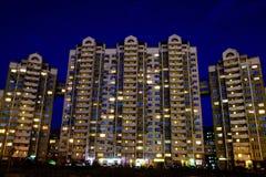 Большой жилой дом на ноче Стоковая Фотография RF