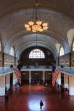 Большой зал музея иммиграции на острове Ellis Стоковые Фото