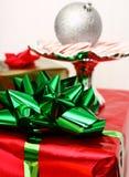 Большой зеленый смычок рождества Стоковые Фото
