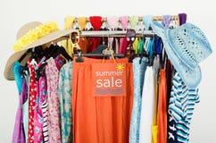 Большой знак продажи для одежд лета Стоковые Изображения RF