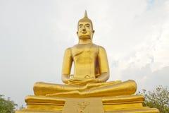 Большой золотой размышлять Будды Стоковые Фотографии RF