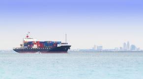 Большой контейнеровоз стоковое фото rf