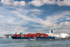 Корабль контейнера в порте Антверпена Стоковая Фотография