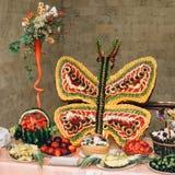 Большой обеденный стол установил для wedding, обедающего или других корпоративных Стоковые Фотографии RF