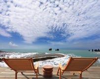Большой обзор для роскошного пляжного бассейна Стоковое фото RF