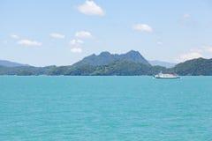 большой остров скрещивания корабля Стоковые Фото