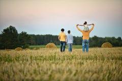 Большой отдыхать семьи стоковое фото rf