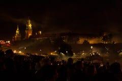 Большой парад драконов соединенный с фейерверками Стоковая Фотография