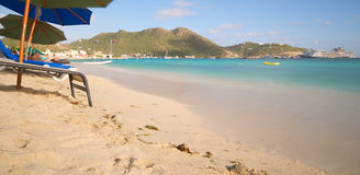 Большой пляж залива - Philipsburg Sint Maarten - карибский тропический остров Стоковая Фотография