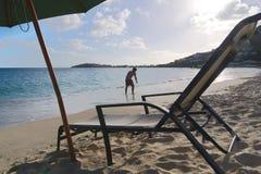 Большой пляж залива - Philipsburg - Sint Maarten - карибский тропический остров Стоковые Изображения