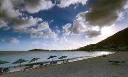Большой пляж залива - Philipsburg - Sint Maarten - карибский тропический остров Стоковая Фотография