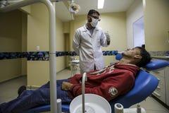Бразилия - San Paolo - ONG Sermig - свободная зубоврачебная деятельность для бездомные как Стоковое фото RF