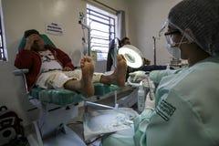 Бразилия - San Paolo - ONG Sermig - свободная протезная деятельность для бездомные как Стоковые Фотографии RF