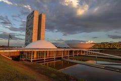 Бразильский национальный конгресс на заходе солнца - Brasilia, Distrito федеральное, Бразилия стоковое фото