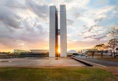 Бразильский национальный конгресс на заходе солнца - Brasilia, Distrito федеральное, Бразилия стоковые фотографии rf