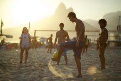 Бразильяне Carioca играя Altinho Posto Nove Рио Стоковая Фотография RF