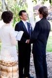 брак гомосексуалистов говоря зароки стоковая фотография rf