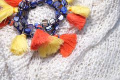 Браслеты моды на урожае шарфа шерстей Стоковая Фотография