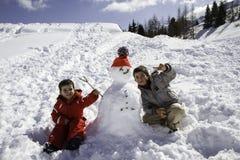 2 брать с снеговиком Стоковое фото RF
