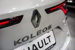 Бренд Renault Минска, Беларуси мая 2018 emblem знак логотипа на автомобиле во время autoexhibition на koleos Renault стоковые изображения rf