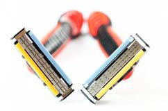 2 брея бритвы изображение наушников черноты близкое изолировало пусковую площадку микрофона мягко вверх по белизне Стоковые Изображения RF
